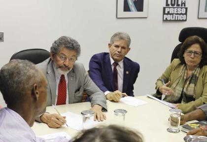 Liderança do Senado recebe comunidade de Canabrava